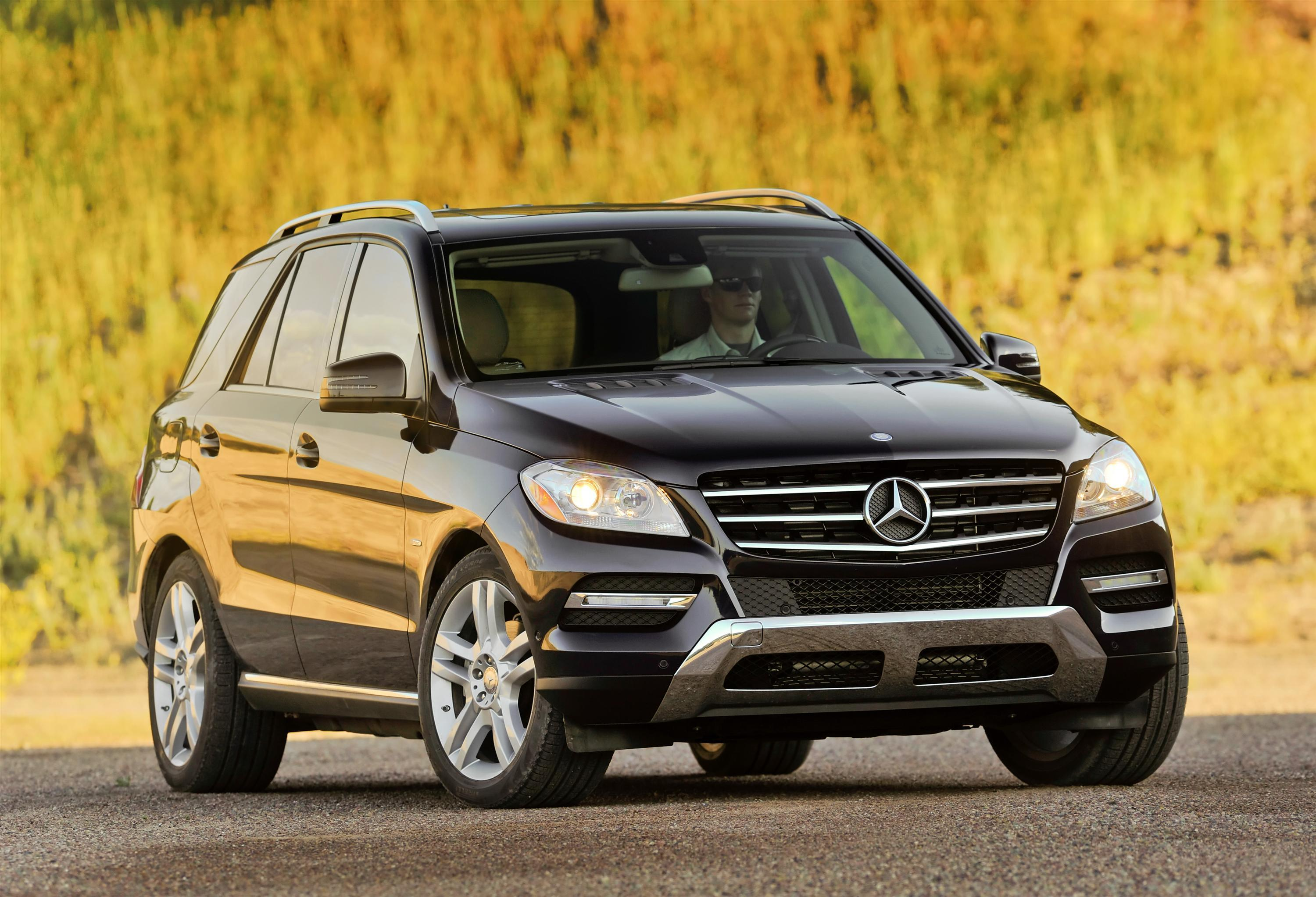 2012 mercedes benz m class has bolder design mercedes for Mercedes benz ml350 bluetec